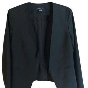 Cropped asymmetrical blazer